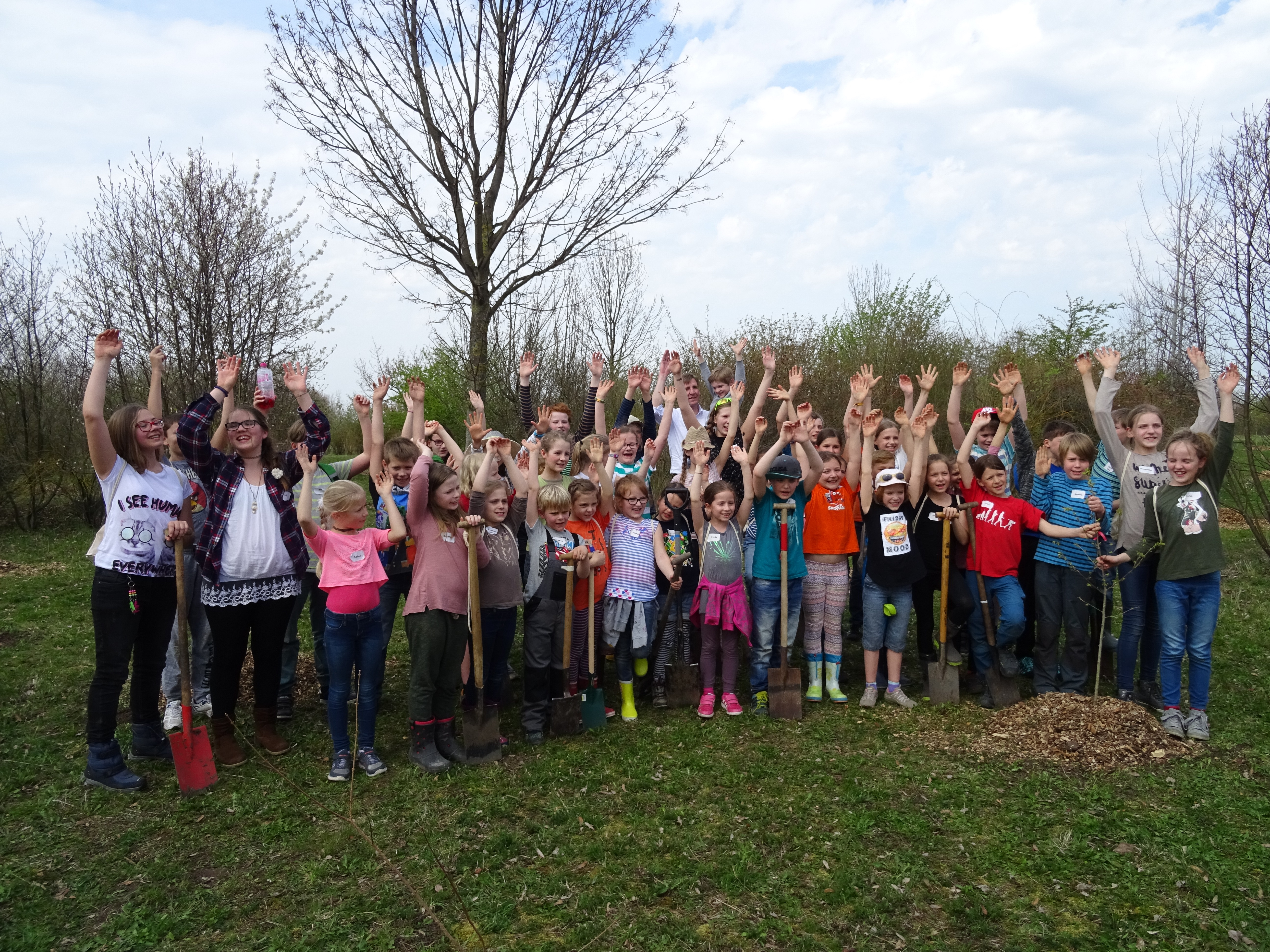 On Saturday 50 children planted trees for the environment in Erfurt